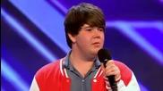 Младо момче шокира родителите си в публиката изненадвайки ги в Х-фактор прослушване