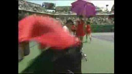 Ms Miami 2009 Федерер чупи ракетата си