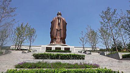 Вижте огромна статуя на Конфуций, снимана от дрон