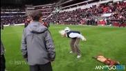 70 годишен скрива топката на Псв