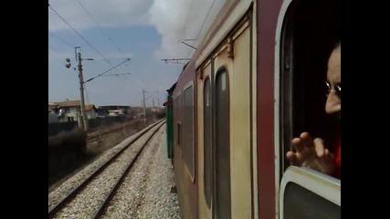 Атракционен влак начело с парен локомотив серия 01.23