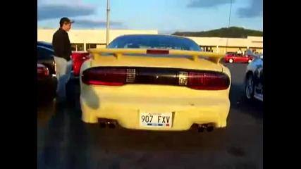Спортни коли с V8 двигатели