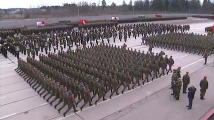 Русия: Вижте масивните тренировки на руската рамия за Деня на победата