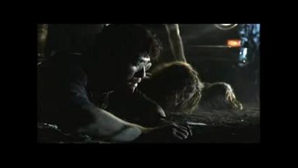 Тексаско Клане (2003) Сцена В Микробуса