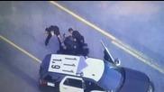 Гонка завършва с неуспешна кражба на полицейски автомобил и хватка от кеча