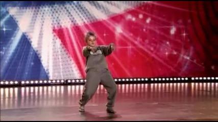 10 годишно момче смая със своя танц! rasim