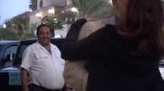 Старче флиртува с мацка на улицата ! Смях