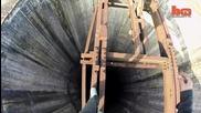 Смелчага изкачва 280 метров индустриален комин без предпазни средства
