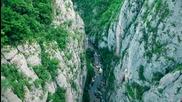 Сърбия! Западните покрайнини край Погановски манастир в каньона на река Ерма заснета с дрон