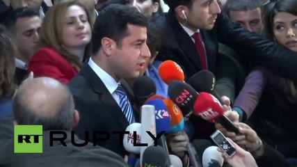 Turkey: HDP co-leader Demirtas casts his election ballot