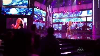 Maroon 5 ft. Christina Aguilera - Moves Like Jagger ( American Music Awards 2011 )