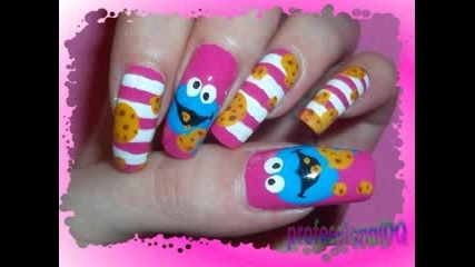 Stripey Cookie Monster Nails!