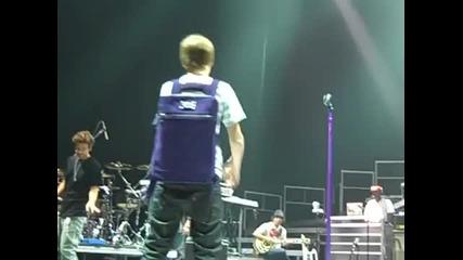 Justin Bieber singing Omaha Mall на живо 20.07.2010 July at the soundcheck live