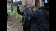 Роми се бият с колове, лопати и легени в Съдебен спор