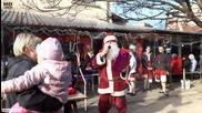 Дядо Коледа в квартал Лонгоза