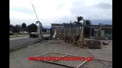 Сериозни щети след лошо време в Аспрохома, Гърция