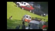 рали кола блъзка двама души