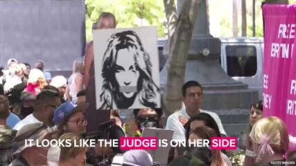 Близо ли е свободата на Бритни? Певицата най-после с адвокат, ще съди баща си