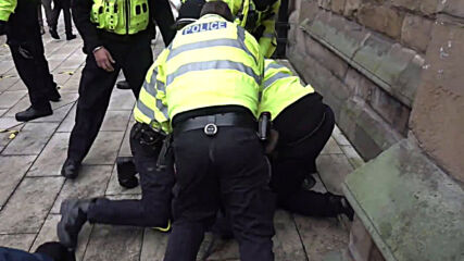 UK: Police make arrests as anti-lockdown demo hits Birmingham