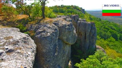 Приключенски туризъм - Вълчата пътека към Мечата дупка по скалите над Разделна