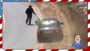 Моторист се стряска от полицията и пада