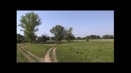 Munteanu - стоя на прага на моята къща