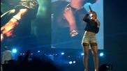 На живо Eminem feat. Rihanna - Love the way you lie (hq)