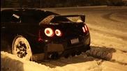 Nissan G T R с невероятно снежно дрифт шоу!!!