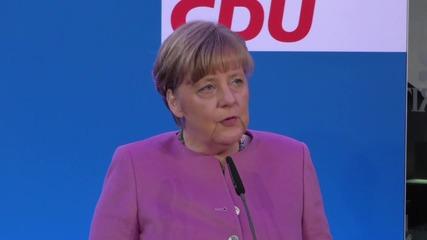 Меркел затяга правилата за бежанци
