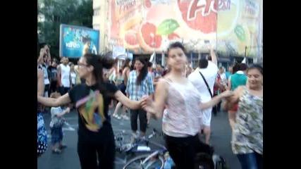 Дансwithme Протест - Орлов мост- 20.06.2013 година