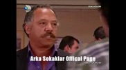 Arka Sokaklar 157 bolum ( Статията с Тунч във вестника )