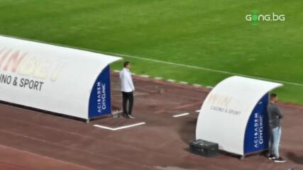 Станислав Генчев в действие край страничната линия