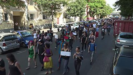 Germany: Hundreds march through Berlin in solidarity with Black Lives Matter