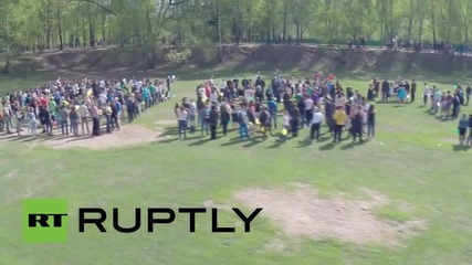 Russia: Drone captures 1,000 young Muscovites saying 'thank you' to WWII veterans