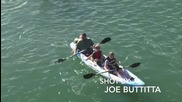 Морски лъв се вози на каяк - Смях