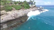 Спасяване на куче отнесено от големи океански вълни