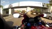 Задръстване в Москва ... Няма проблем за пича с Honda Cbr-1000rr