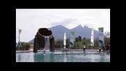 Уилямс и Дулко играят тенис във вода в забавна реклама