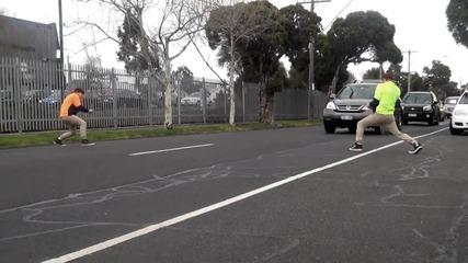 Лудаци се бъзикат с шофьори - Ще се напикаете от смях с това видео
