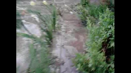 navodnenieto v selo Kru6oveneot 1metur i polovina voda. 20.07.11.g.