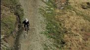 Състезание между сокол и колоездач