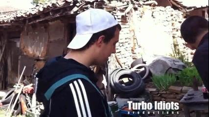 Турбо идиоти - Автомонтьора