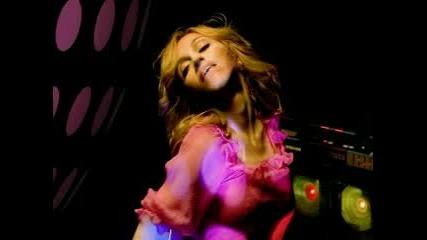 Песен На Мадона - The Beat Goes On feat. Timbaland & Justin Timberlake