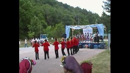 """Фолклорен събор """" Жива вода """" - участие на фолклорен клуб Победа от Велико Търново"""