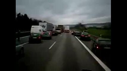 Ето как се прави в Германия по магистралата