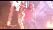 Kasabian - Fire (live @ Brit Awards 2010)
