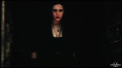 Култовата героиня Уанда Максимоф - Алената Вещица от филма Отмъстителите- Ерата на Ултрон (2015)
