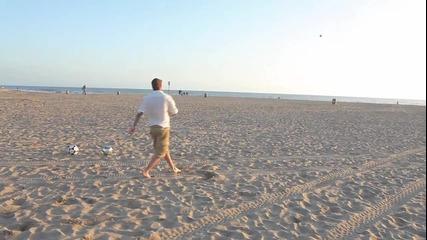 Дейвид Бекъм прави удивителни неща на плажа!!!