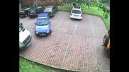 Възможно най - тъпото излизане от паркинг!