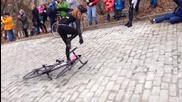 Колоездачи се затрудняват да изкачат най-стръмната улица в С А Щ (2014)